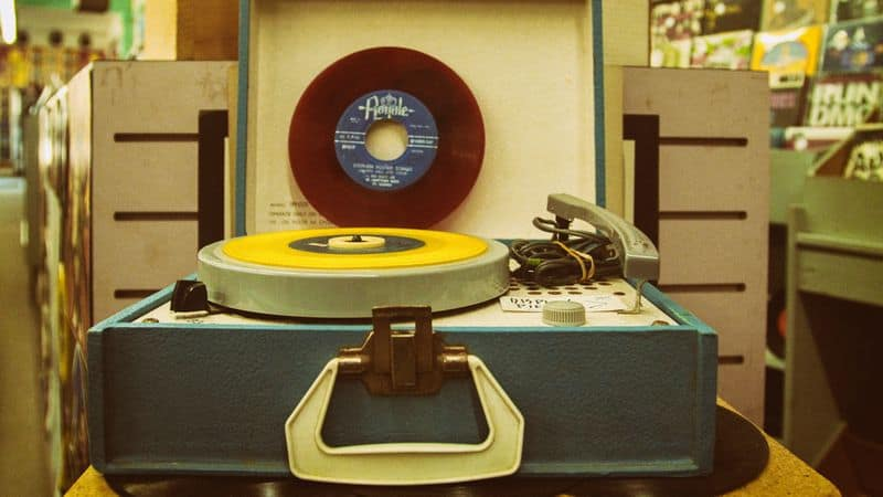 Old school suitcase style turntable