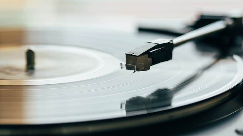 Spinning Mechanism Of A Turntable