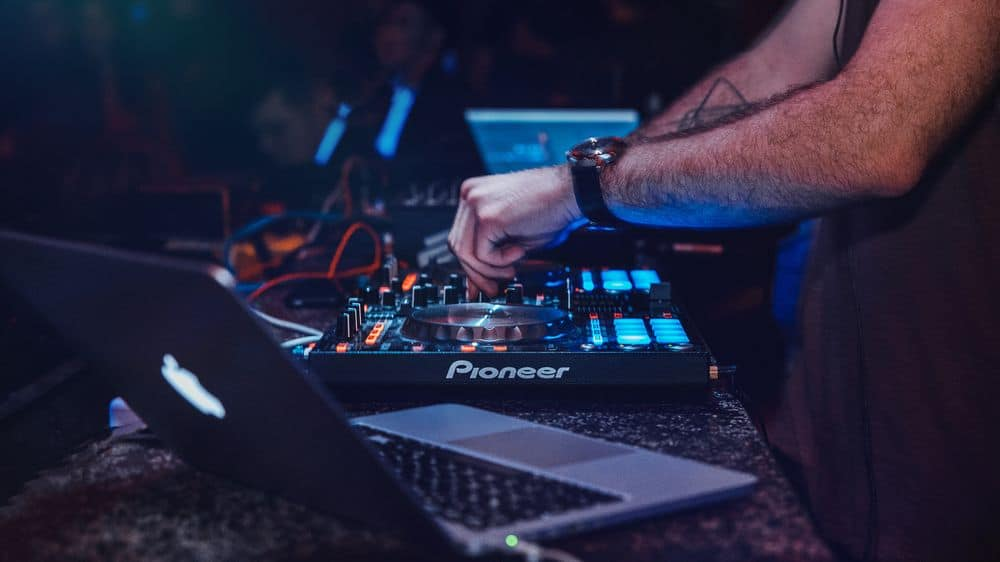 Hybrid DJ turntable setup